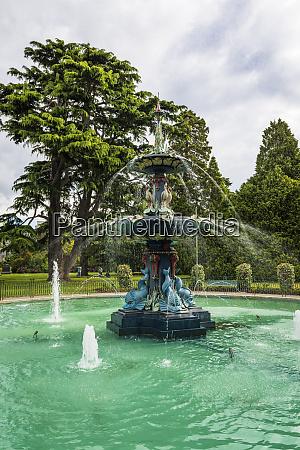 peacock fountain at the botanical garden