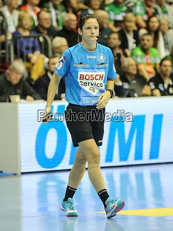 dhb handball referee meike merz in
