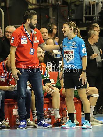 dhb handball referee tanja kuttler in