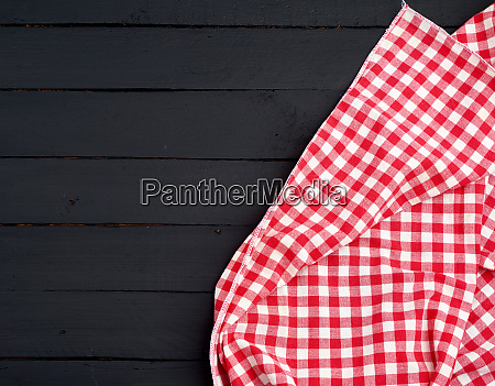 white red checkered kitchen towel on