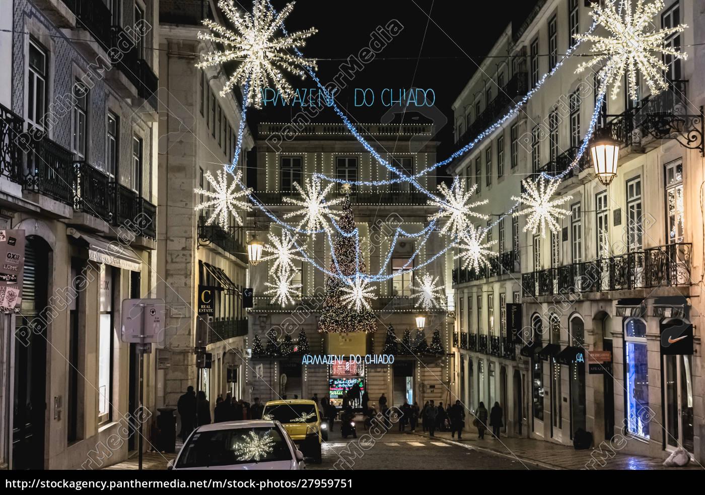 street, atmosphere, in, lisbon, at, night - 27959751