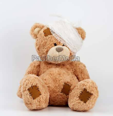 big, teddy, bear, with, a, bandaged - 27962519