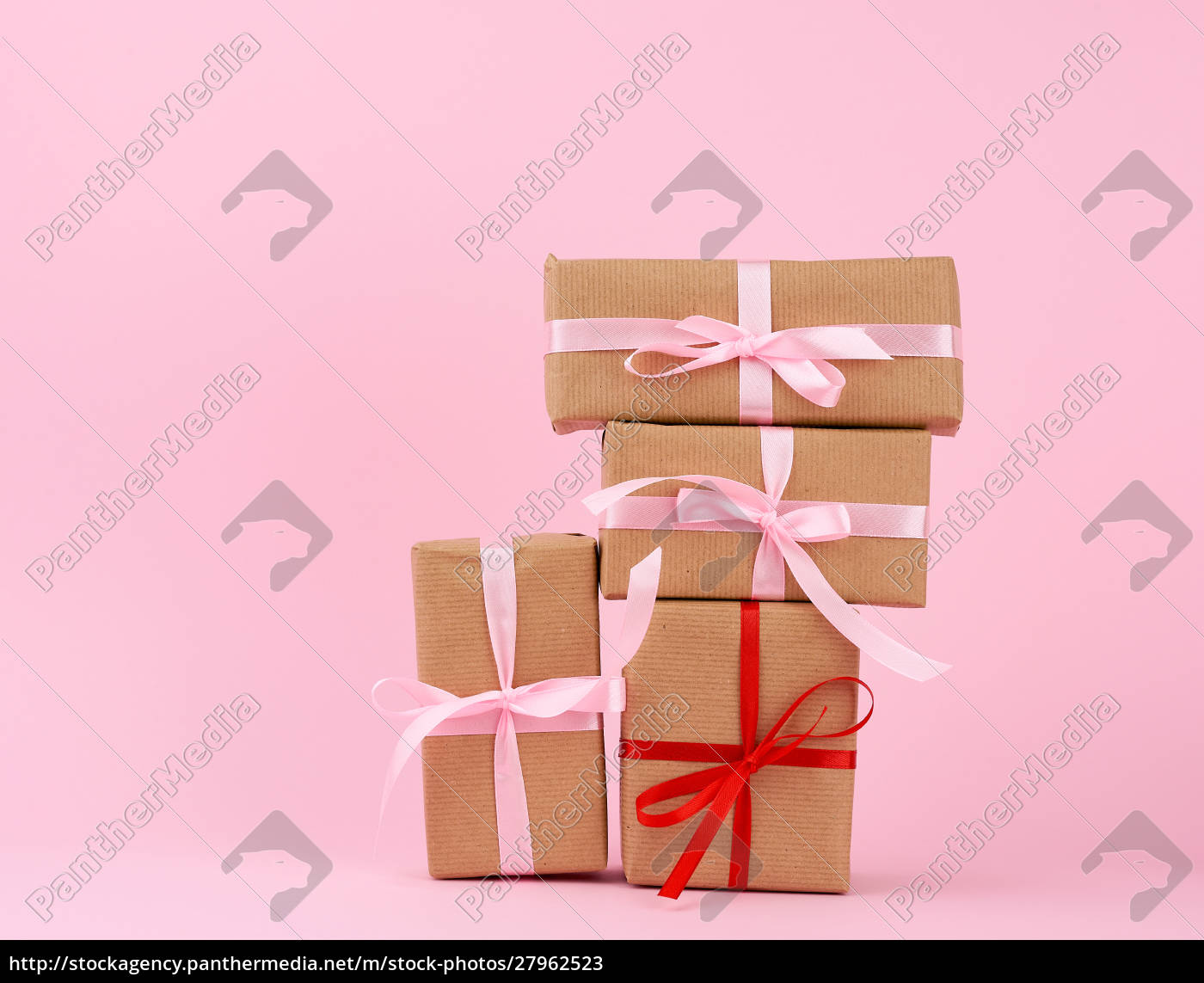 gift, box, paper, brown, on, pink - 27962523