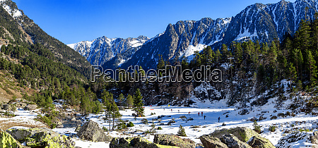 nordic tracks of cauterets pyrenees mountains