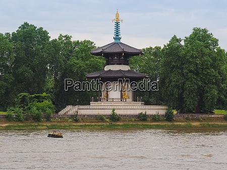 peace pagoda in london