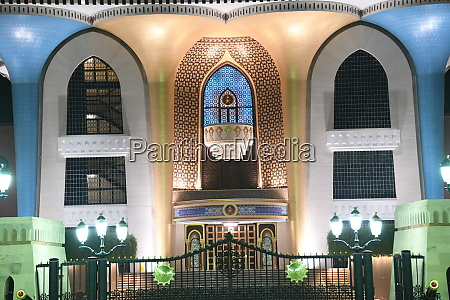 sultans palace at night in oman