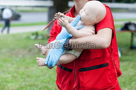baby or child first aid and
