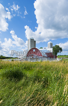 eau claire wisconsin farm and red
