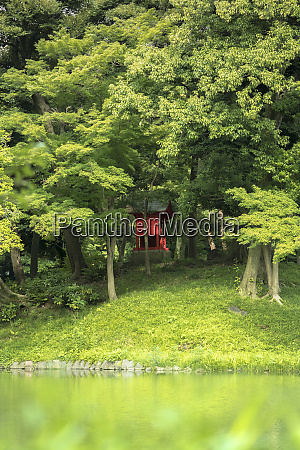 shrine vermilion red shinto on the