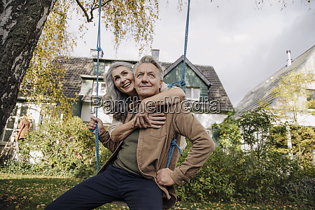 happy, woman, embracing, senior, man, on - 28023372
