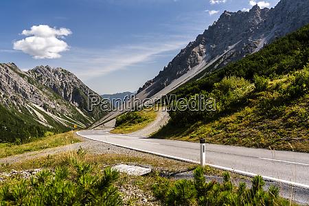 austria tyrol winding road inhahntennjochpass