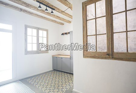 apartment with tiled floor in barcelona