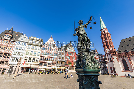 statue of lady justice at roemerberg
