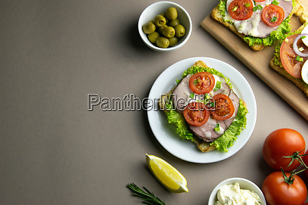 sandwich with avocado seeds and eggs