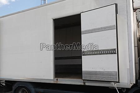 truck open door