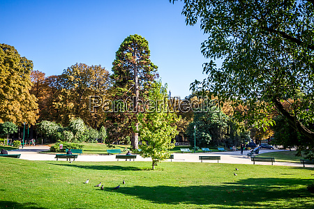 gardens of the champs elysees paris