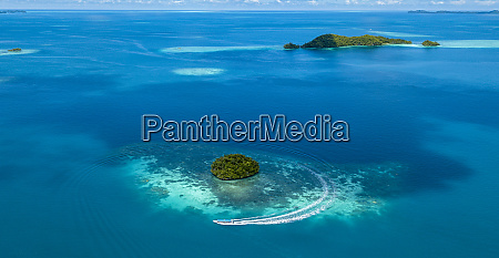 palau aerial view of tour boat