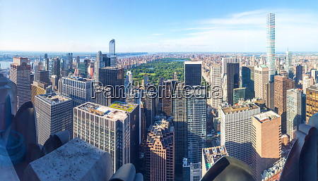 manhattan with empire state building panorama