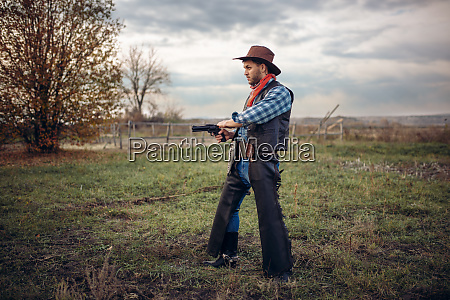 brutal, cowboy, with, revolver, , gunfight, on - 28061793