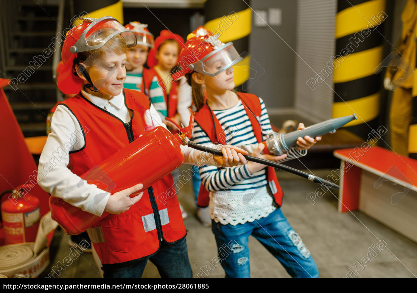 children, with, hose, and, extinguisher, , little - 28061885