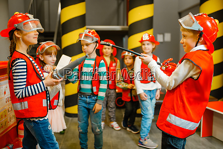 children, with, hose, and, extinguisher, , little - 28061887