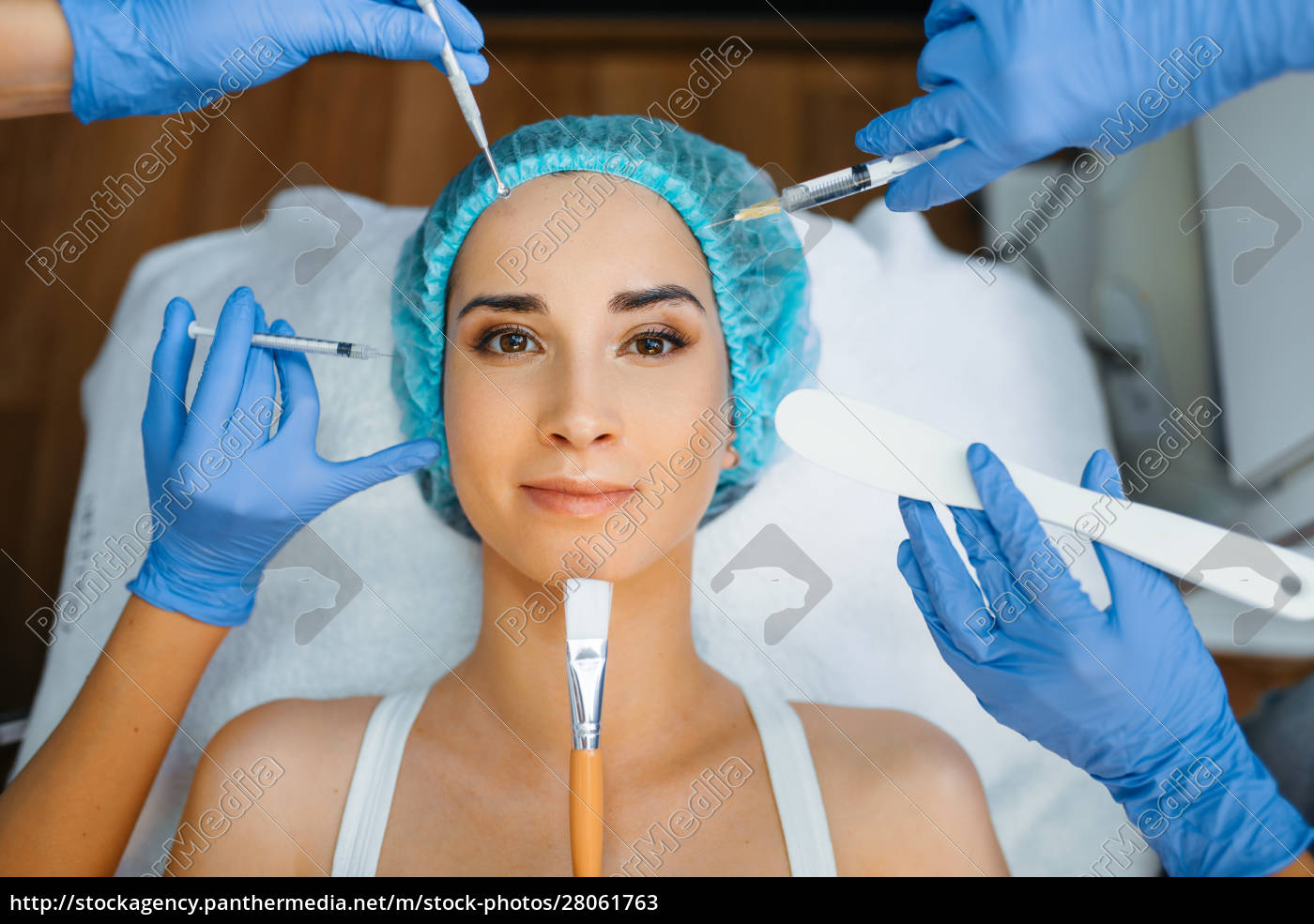 cosmetician, hands, with, working, tools, , patient - 28061763