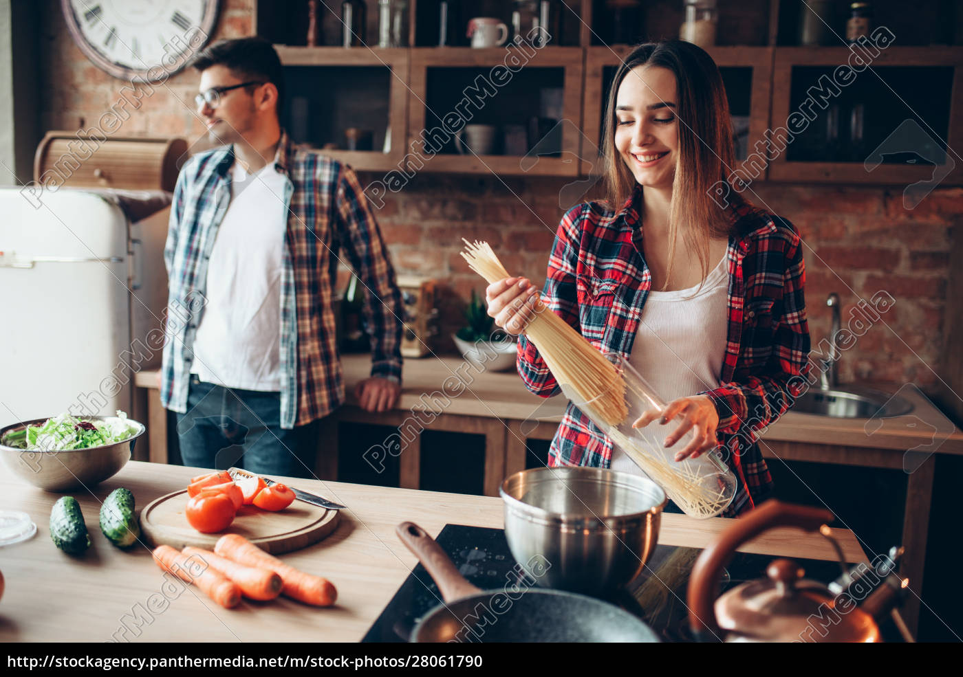 couple, cooking, fresh, vegetable, salad, and - 28061790