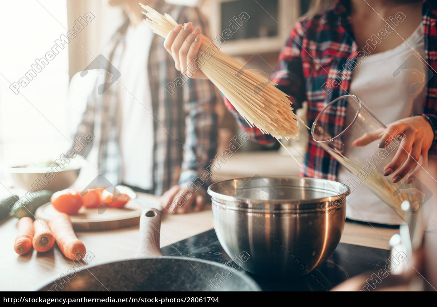 couple, cooking, fresh, vegetable, salad, and - 28061794