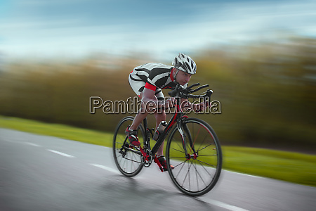 cyclist, rides, on, bicycle, , speed, effect, - 28061512