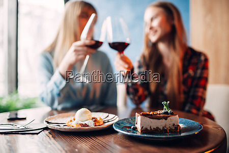 girlfriends, drinks, red, wine, and, eats - 28061529
