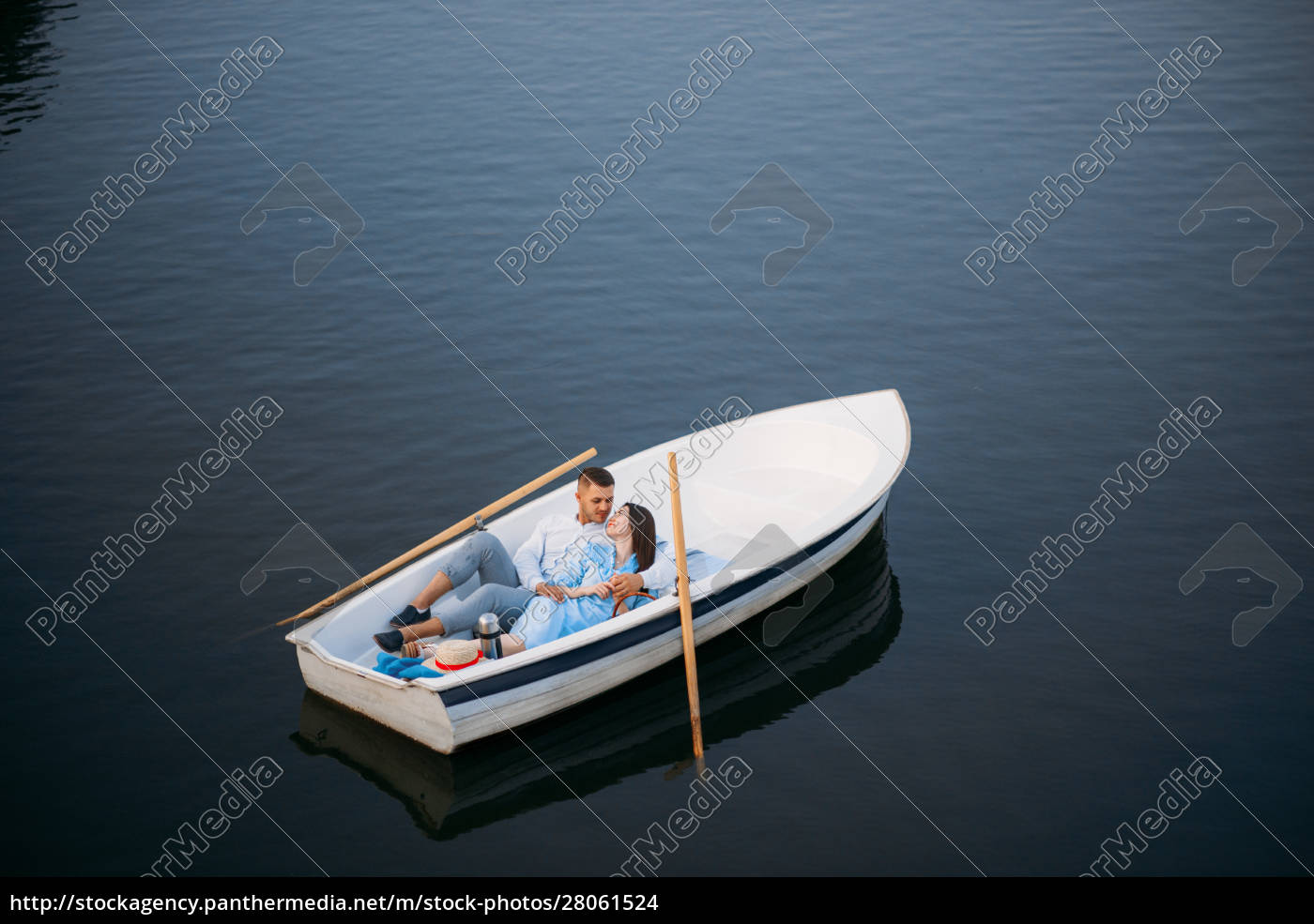 love, couple, lying, in, a, boat - 28061524