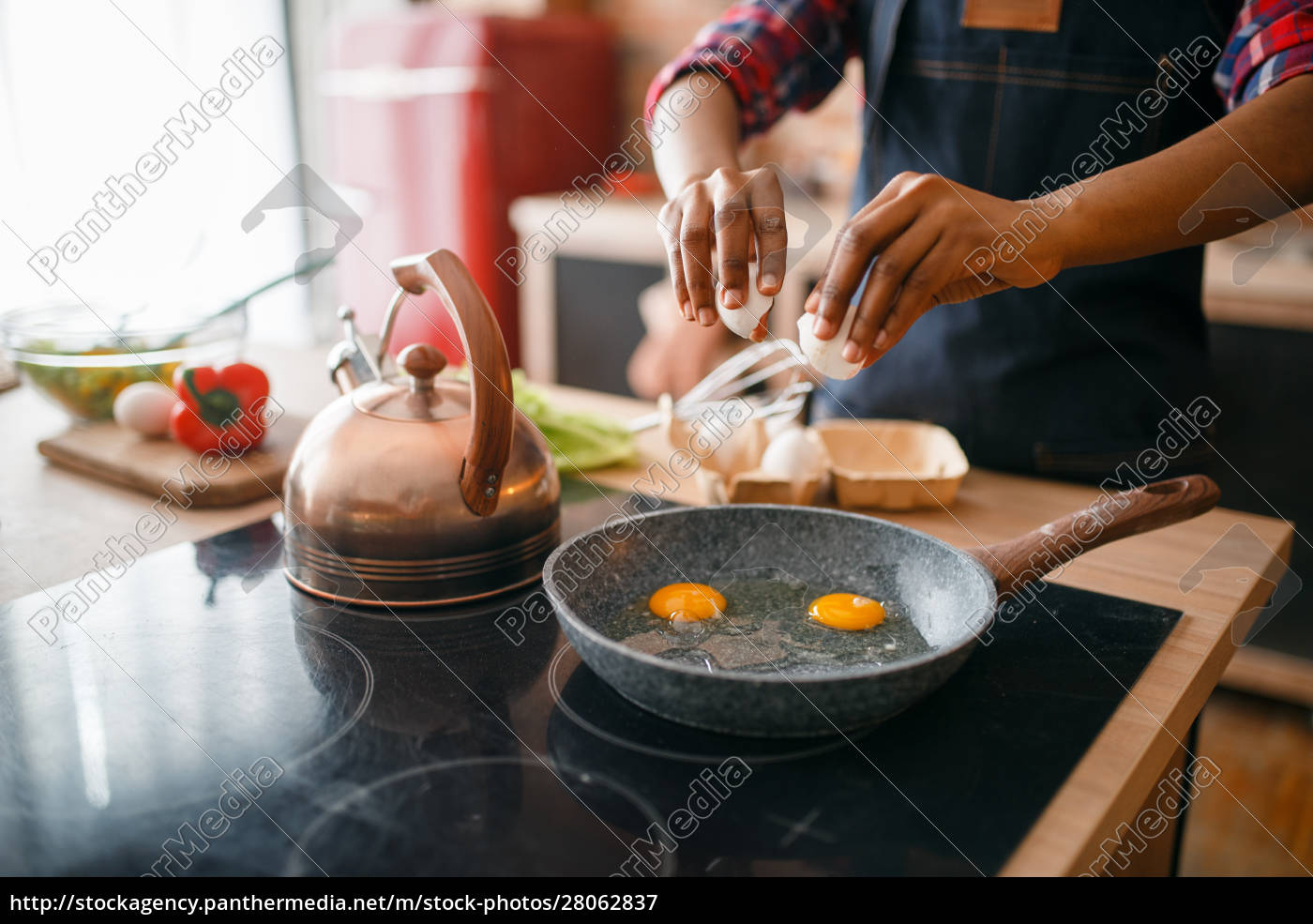 black, female, person, cooking, fried, eggs - 28062837