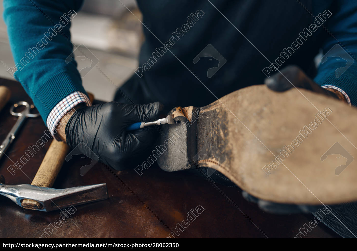 bootmaker, repairing, the, shoe, , footwear, repair - 28062350