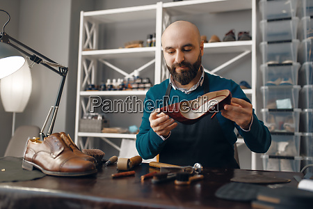 bootmaker, repairing, the, shoe, , footwear, repair - 28062459