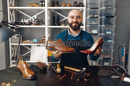 bootmaker, shows, repaired, shoes, , footwear, repair - 28062477