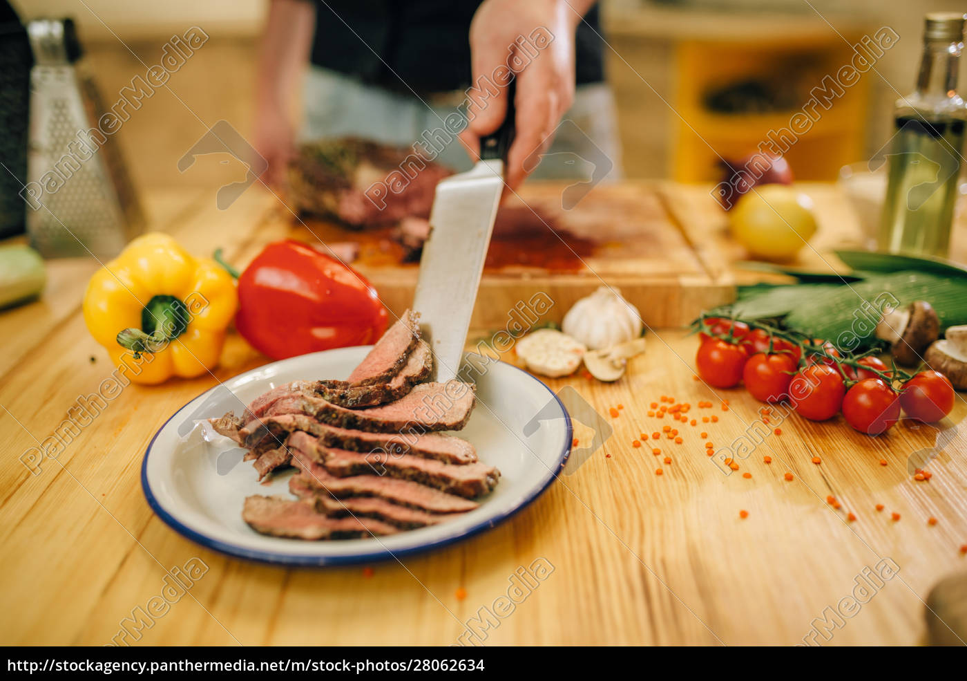 chef, with, knife, puts, roasted, meat - 28062634