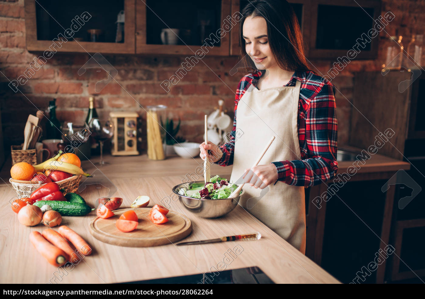 female, cook, , salad, cooking, on, the - 28062264