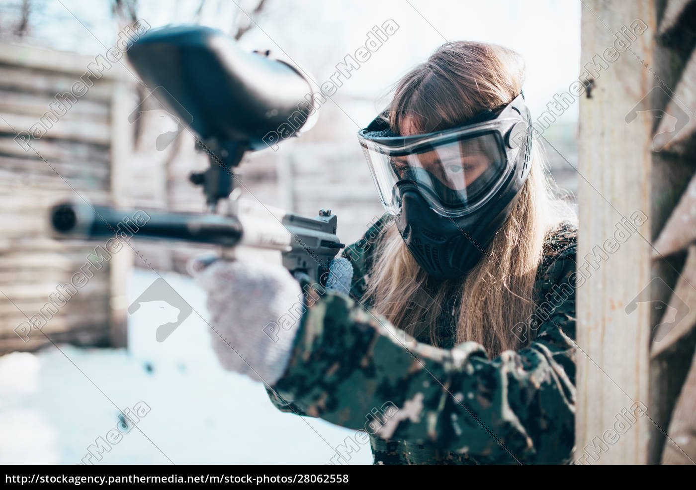 female, paintball, player, with, marker, gun - 28062558