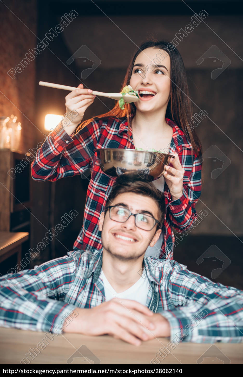 happy, couple, cooking, vegetable, salad, together - 28062140