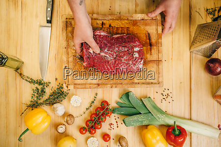 male, person, seasoning, piece, of, raw - 28062107