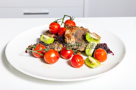 meat, dish, with, vegetables - 28062700