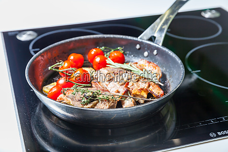 meat, with, vegetables - 28062540