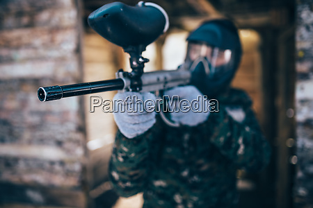paintball, player, with, marker, gun, , front - 28062579
