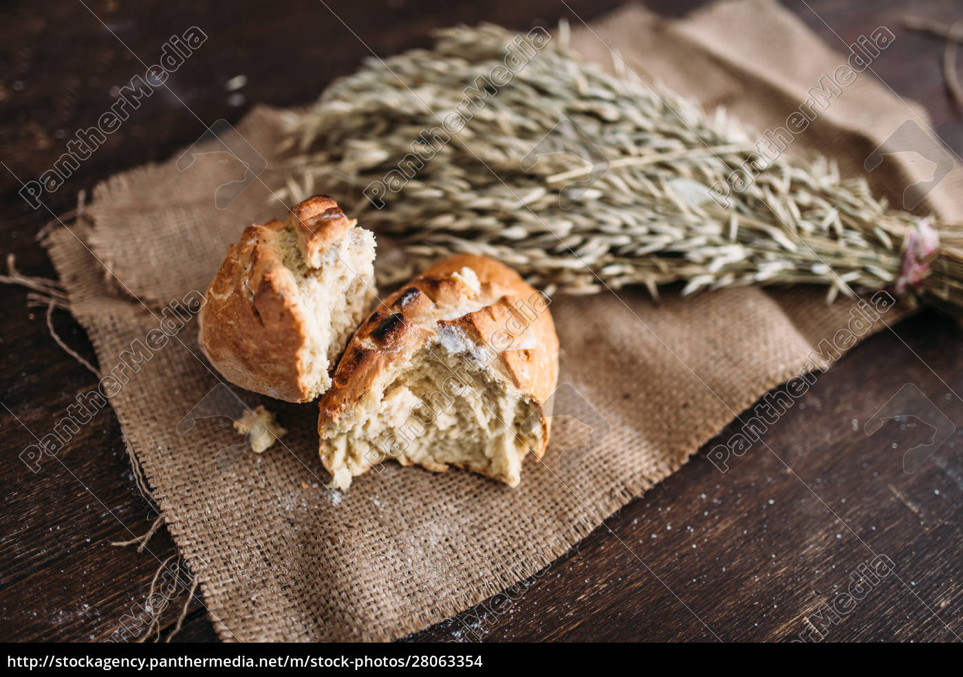 bread, loaf, breaked, in, half, , wheat - 28063354