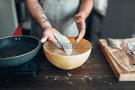 male, chef, hands, cooking, fish, on - 28063172