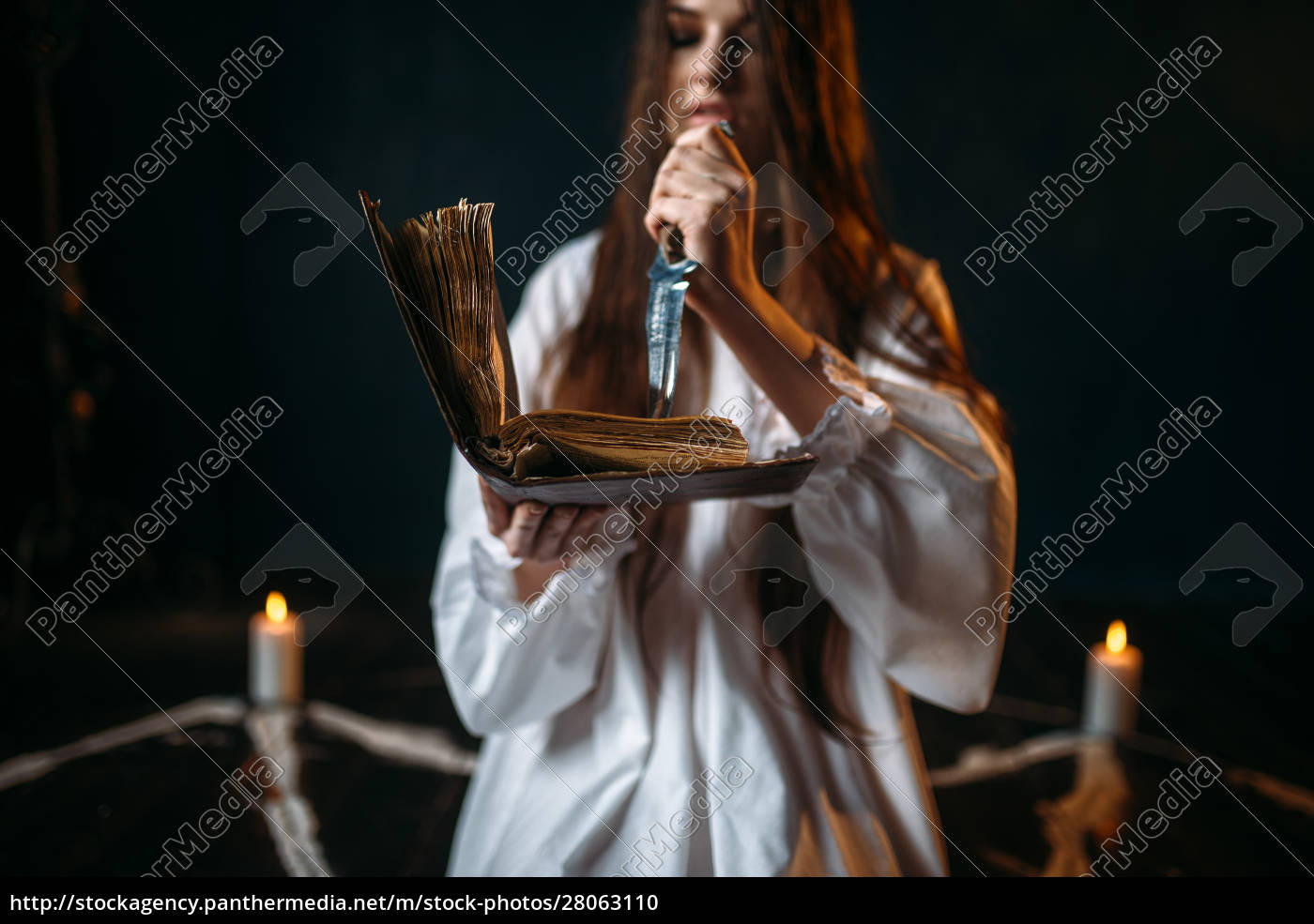 witch, in, white, shirt, holds, knife - 28063110