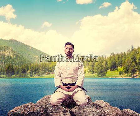 traditional martial arts master meditate