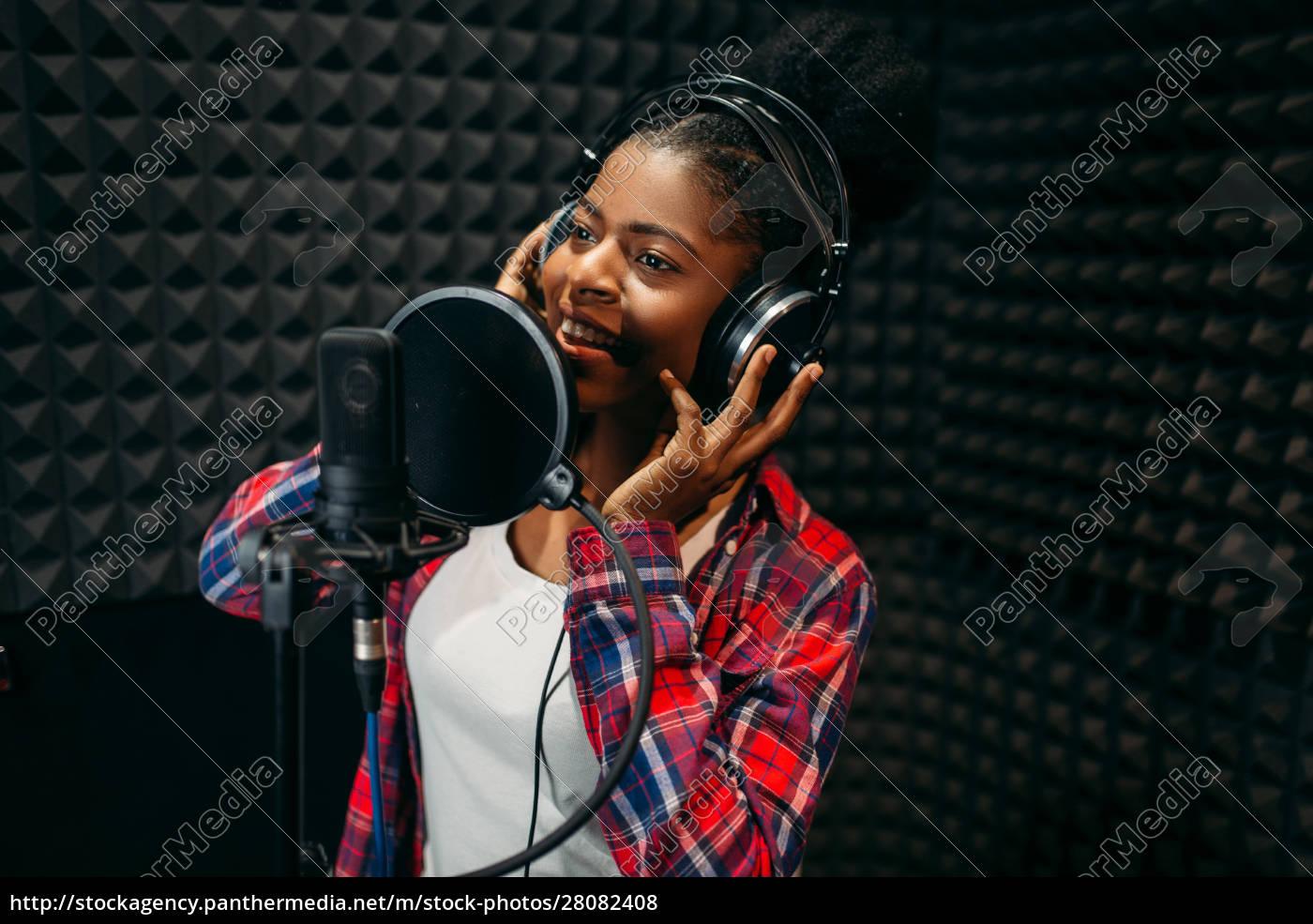 female, performer, songs, in, audio, recording - 28082408