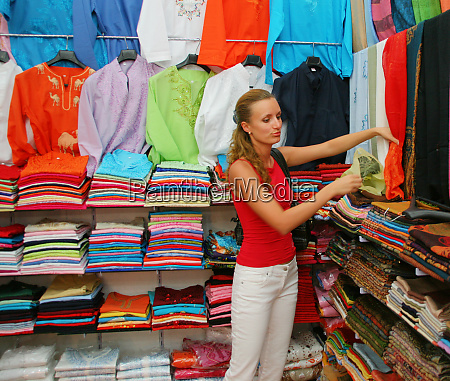 shopping, for, cloth - 28082834