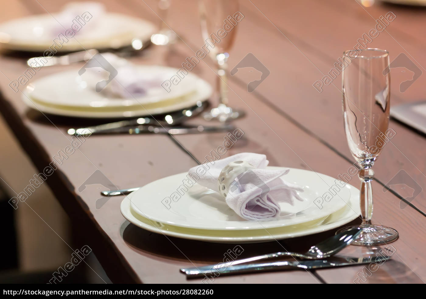 table, set - 28082260